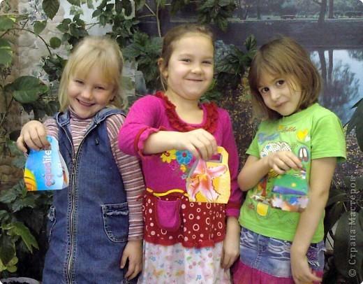 В последний день декабря решили мы с девчёнками порадовать мам - сделать для них косметички. фото 1