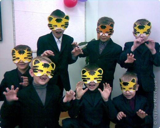 Наступает Новый год!  В лапы Тигр власть берет.   фото 1