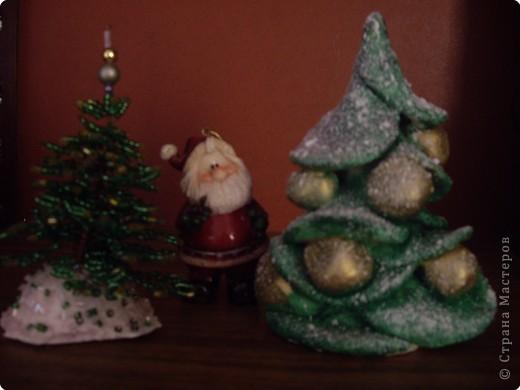 Подарки готовы (ёлочка из бисера моей мамочке, из солёного теста тёте от племянника) .