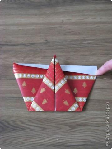 Во всем мире перед рождеством вешают чулок для подарков. Можно сделать оригамный  Рождественский чулок. фото 6