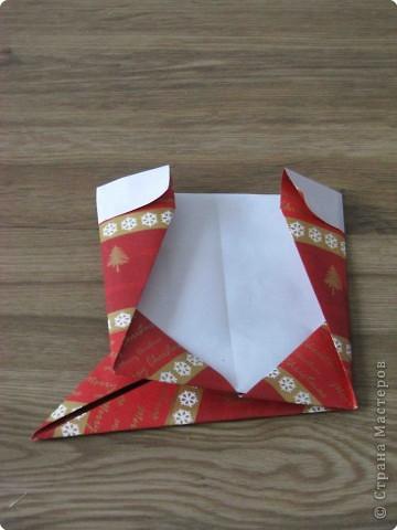 Во всем мире перед рождеством вешают чулок для подарков. Можно сделать оригамный  Рождественский чулок. фото 8
