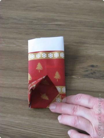Во всем мире перед рождеством вешают чулок для подарков. Можно сделать оригамный  Рождественский чулок. фото 9