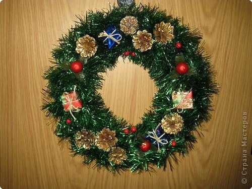 """наши Рождественские венки из мишуры """" Поиск мастер классов, поделок своими руками и рукоделия на SearchMasterclass.Net"""