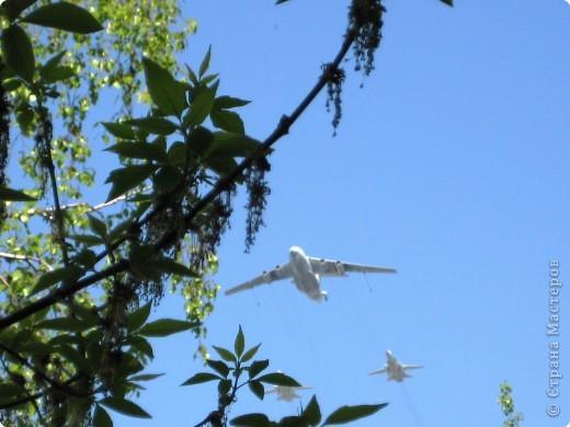 Интересно наблюдать за тем, как над твоим домом пролетают такие гиганты. фото 3