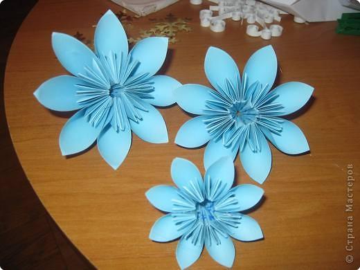 Ёлочку сделала из модулей цветочной кусудамы. фото 2