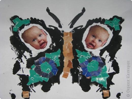 Мелис рисовала краской,когда сложили лист бумаги получились чудо-бабочки,решили их украсить