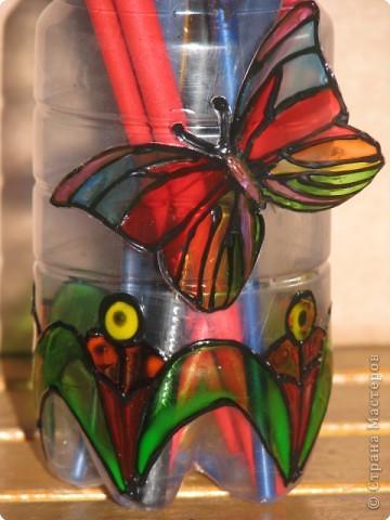 стаканчик для кистей и карандашей из пластиковой бутылки фото 2