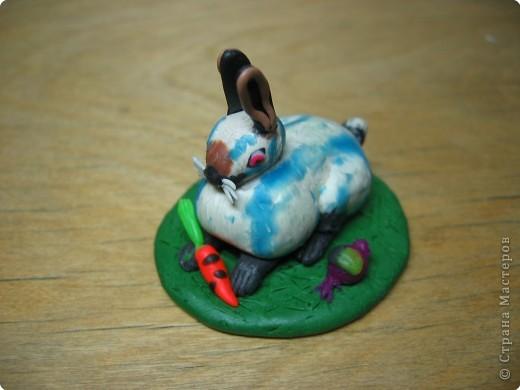 Лепка: Кролик горностаевый. (пластилин) 2Х4см. фото 1