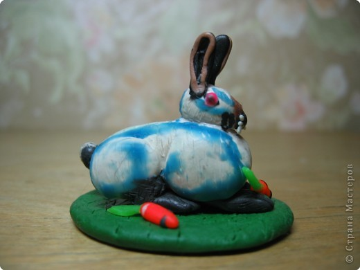 Лепка: Кролик горностаевый. (пластилин) 2Х4см. фото 3
