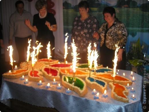 """В 2008 году нашему садику """"Золотая рыбка"""" исполнилось 20 лет, вот такой тортик у нас был на празднике. фото 1"""
