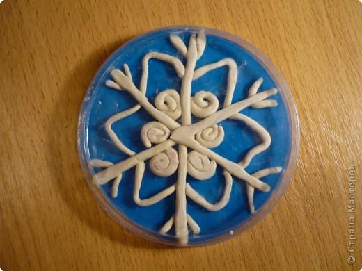 Аппликация из пластилина (+ обратная), Оригами: Максимкины снежинки. фото 2