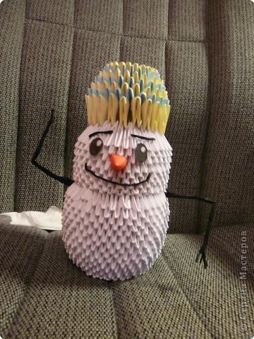 Мой любимый снеговичок! С точностью копировала его с МК, получилось не оригинально, зато красиво.