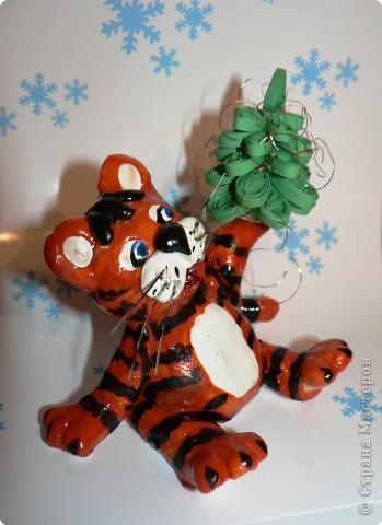 Вот такого тигрусю я вылепила для своего семейства на новый год. фото 2