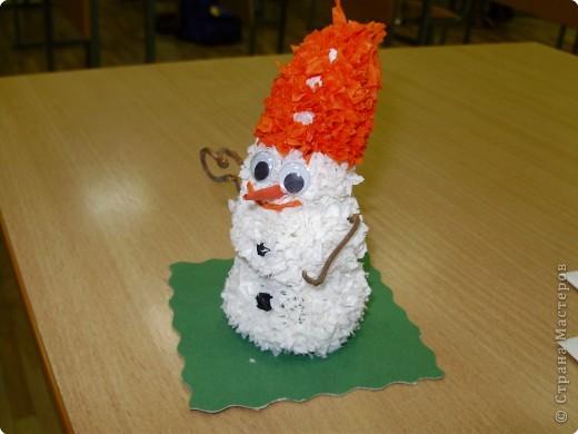 Торцевание на пластилине: Мини-снеговик.