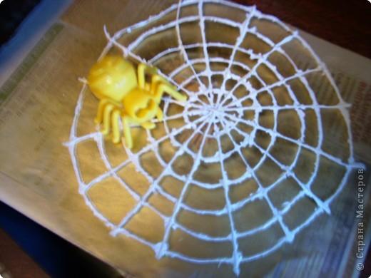 Кашпо под цветы в виде веселого пенька сделано в технике папье-маше из бумажной массы. фото 6