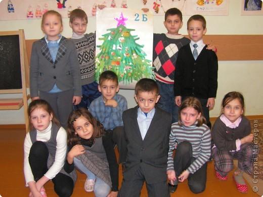 Ладошки 2-Б на новогодней ёлочке. фото 2
