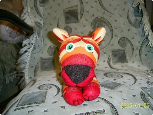 Вот это мой носочный тигр, хотя мои домашние считают что на ослика он похож больше)))) фото 1