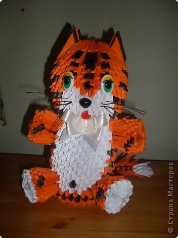 Этот Тигр высотой 35 см, он сделан из модулей размером 10,4*7,5см фото 1