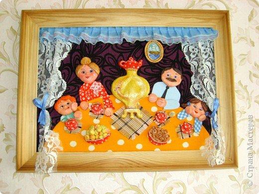 Такие картины олицетворяют в себе  вечные ценности:  дружная семья, любовь, положительные отношения между членами семьи, именно эта висит у меня в зоне семьи (по фен-шуй)  фото 1