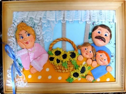 Такие картины олицетворяют в себе  вечные ценности:  дружная семья, любовь, положительные отношения между членами семьи, именно эта висит у меня в зоне семьи (по фен-шуй)  фото 4