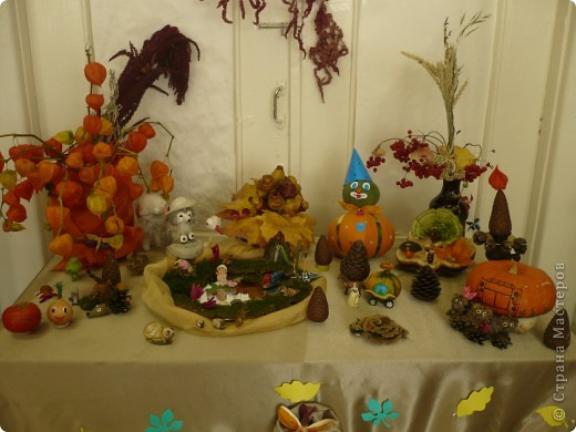 """Поделки были сделаны для конкурса на тему """"Осенняя фантазия"""". Павлины сделаны из гриба, который растет на дереве. фото 2"""