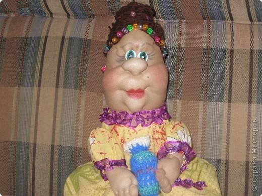 попробовала  сделать свою куклу на чайник  фото 2