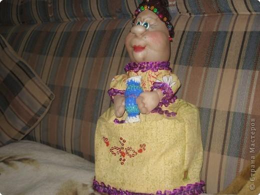 попробовала  сделать свою куклу на чайник  фото 3