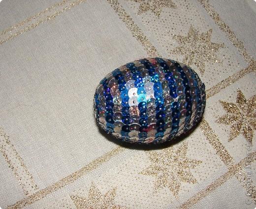 печенье в форме звёздочки спекли сами вафельную трубочку купили,ну и миндалинку тоже наше дело было только склеить глазурью фото 8