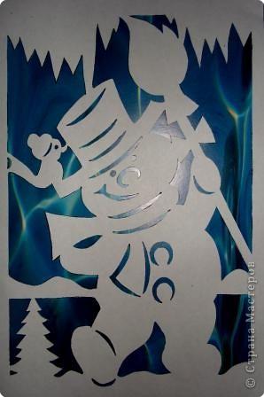 Очень понравились идеи украшать окна вырезанными из бумаги картинками.  фото 2