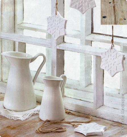 Гипсовые заливки в форме снежинок, прекрасный декор для окна или ёлочки.  М-да, где-то я уже это видела.... Где же? фото 1