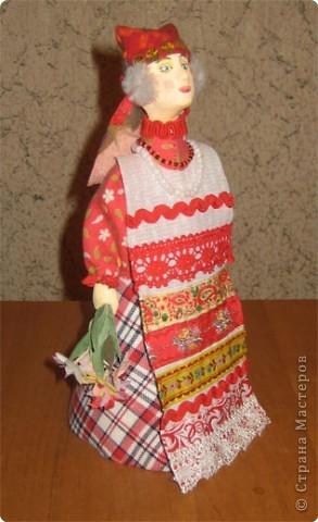 """Куклы являются наглядным пособием к уроку изобразительного искусства по теме: """"Народная праздничная одежда"""". Основа куклы- конус, голова слеплена из глины и раскрашена, костюм - ткань, тесьма. фото 6"""