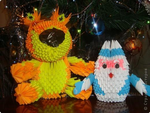 Оригами модульное: Пришел Дед Мороз и подарок принес.