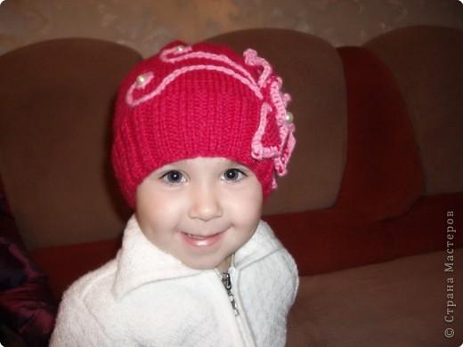 Шапка с цветочком,к новой куртке)) будем в садик ходить. фото 1