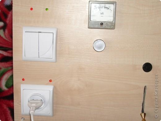 Вот такую доску мой муж сделал для нашего младшего сынули,ни одна кнопочка не нажимается просто так,каждая выполняет свою функцию. фото 3
