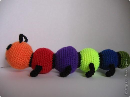Вязание крючком: гусеница фото 1