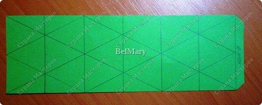Флексагоны - это многоугольники, сложенные из полосок бумаги прямоугольной или более сложной, изогнутой формы, которые обладают удивительным свойством: при перегибании флексагонов их наружные поверхности скрываются внутри, а ранее скрытые поверхности выходят наружу. фото 6