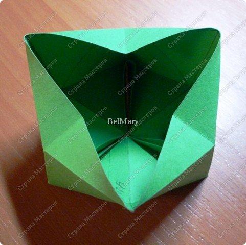 Флексагоны - это многоугольники, сложенные из полосок бумаги прямоугольной или более сложной, изогнутой формы, которые обладают удивительным свойством: при перегибании флексагонов их наружные поверхности скрываются внутри, а ранее скрытые поверхности выходят наружу. фото 12