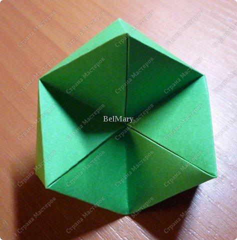 Флексагоны - это многоугольники, сложенные из полосок бумаги прямоугольной или более сложной, изогнутой формы, которые обладают удивительным свойством: при перегибании флексагонов их наружные поверхности скрываются внутри, а ранее скрытые поверхности выходят наружу. фото 13