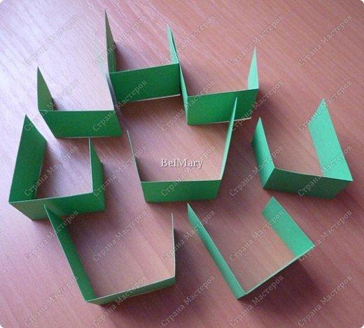 Для того, чтобы сделать такой трансформер нам понадобится: плотная бумага (12 см * 24 см), линейка, карандаш, ножницы, скотч. фото 3