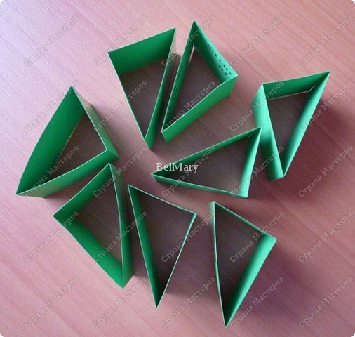 Для того, чтобы сделать такой трансформер нам понадобится: плотная бумага (12 см * 24 см), линейка, карандаш, ножницы, скотч. фото 4