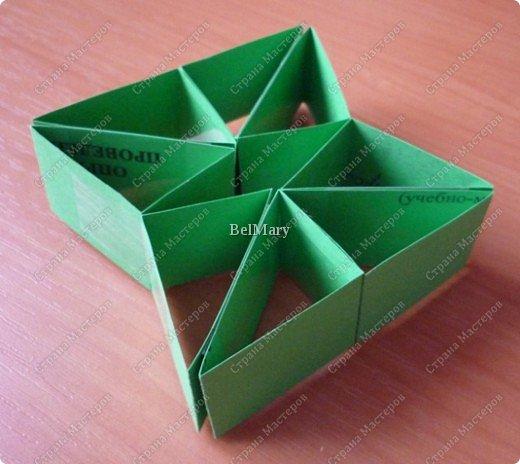 Для того, чтобы сделать такой трансформер нам понадобится: плотная бумага (12 см * 24 см), линейка, карандаш, ножницы, скотч. фото 9