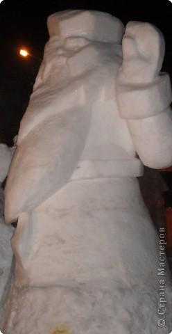 Вот такие фигуры из снега и льда делают умельцы-мастера в нашем городе Полюбуйтесь и вы. 1.Тигр - символ 2010 года. фото 3