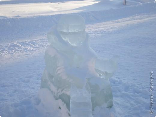 Вот такие фигуры из снега и льда делают умельцы-мастера в нашем городе Полюбуйтесь и вы. 1.Тигр - символ 2010 года. фото 6