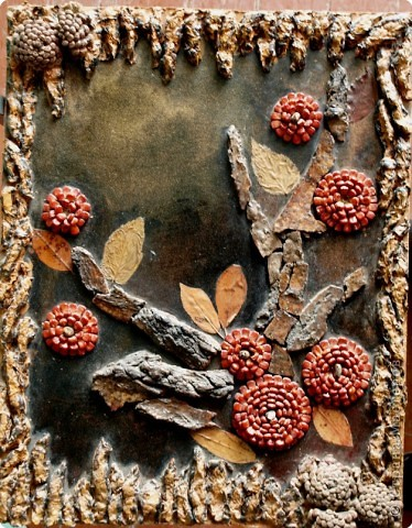 Папье-маше,шишки,листья, кора дерева и кукуруза. фото 1