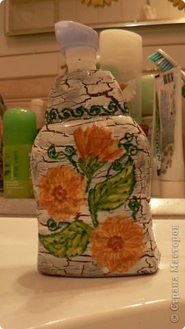 Купили жидкое мыло в большой канистре. А для пользования решила украсить уже пустую баночку. фото 2