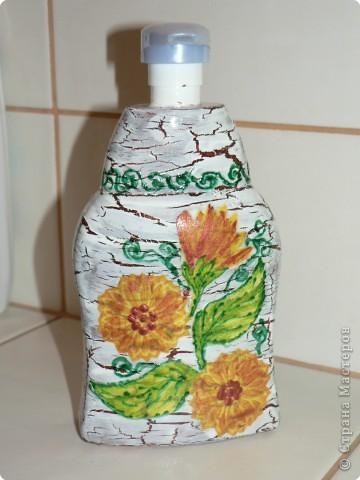 Купили жидкое мыло в большой канистре. А для пользования решила украсить уже пустую баночку. фото 1