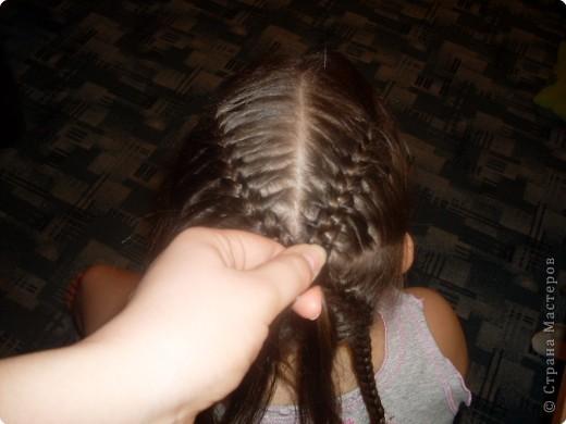 Делим волосы на два пучка... фото 5
