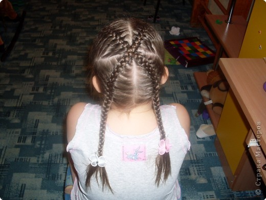 Делим волосы на два пучка... фото 6