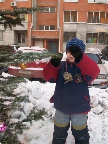 В начале узнаем, чем питаются птицы зимой и как им трудно найти корм. У нас в Сибири сейчас морозы за 30 градусов. Решаем: будем подкармливать птиц. Взяли белые сухари (черные нельзя). Познакомились со ступкой и пестиком. фото 15