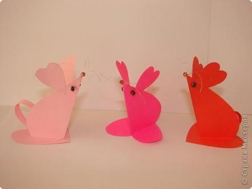 Эти мышки - валентинки 2 - классники приготовили  в подарок родителям на День Валентина. Идею взяли из интернета.       фото 7